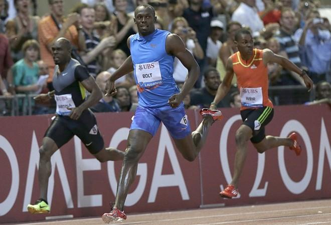 Usain Bolt superou com tranquilidade os adversários nos 200 metros rasos em Lausanne   Denis Balibouse / Reuters