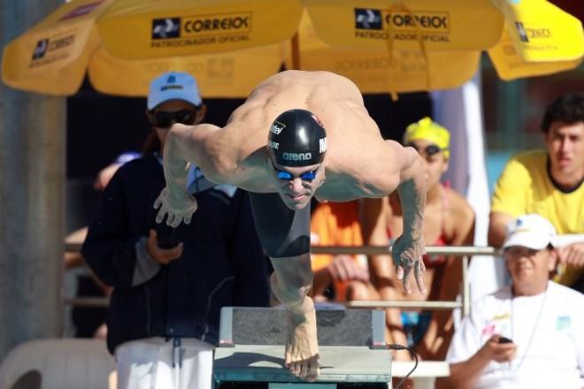 Cesar Cielo na largada para eliminatória dos 100 m livre na manhã desta quinta no Troféu José Finkel | Satiro Sodré / Agif