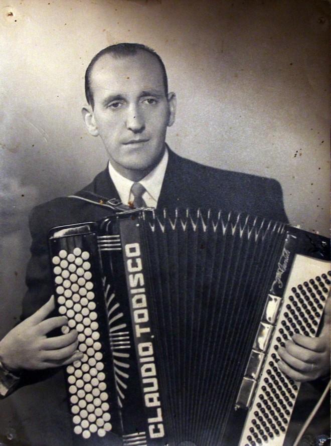 O violonista Cláudio Todisco, autor da valsa