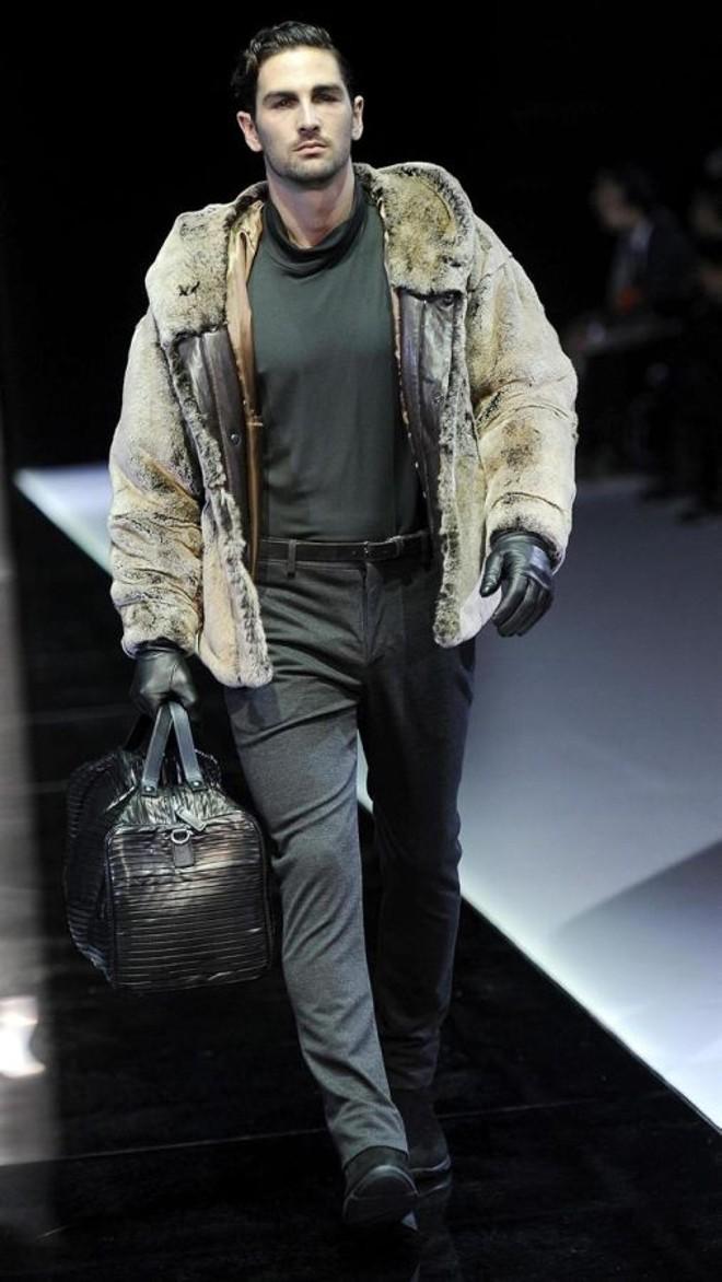 Coleção da Empório Armani na Semana de Moda de Milão | AFP PHOTO / GIUSEPPE CACACE