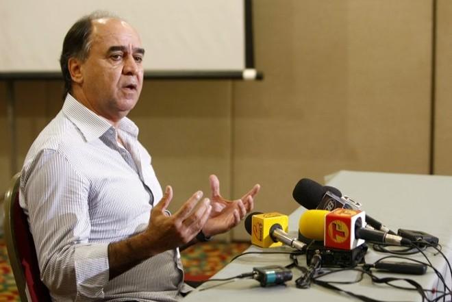 O ex-técnico coritibano Marcelo Oliveira na entrevista concedida nesta quinta-feira em um hotel de Curitiba | Hugo Harada / Gazeta do Povo
