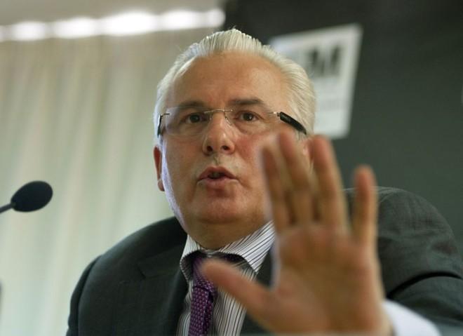 O ex-juiz espanhol Baltasar Garzón, advogado do fundador do Wikileaks, quer garantias de que seu cliente não será extraditado aos EUA | AFP Photo/Pierre-Philippe Marcou