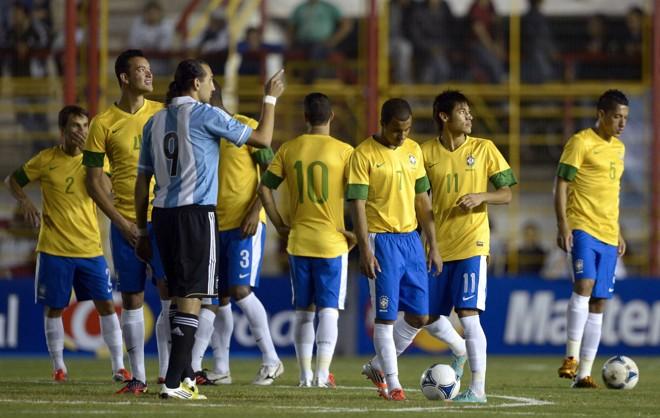 Conmbeol confirmou que haverá novo jogo entre Argentina e Brasil | afp
