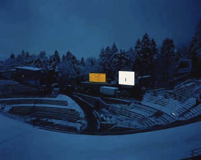 Suíço expõe imagens da série Snow Management | Jules Spinatsch/Divulgação