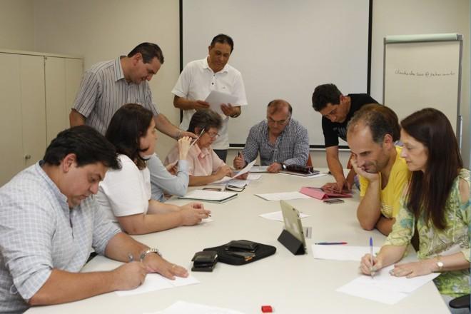 As respostas foram dadas pelos professores dos colégios Bom Jesus e Decisivo | Marcelo Elias / Gazeta do Povo