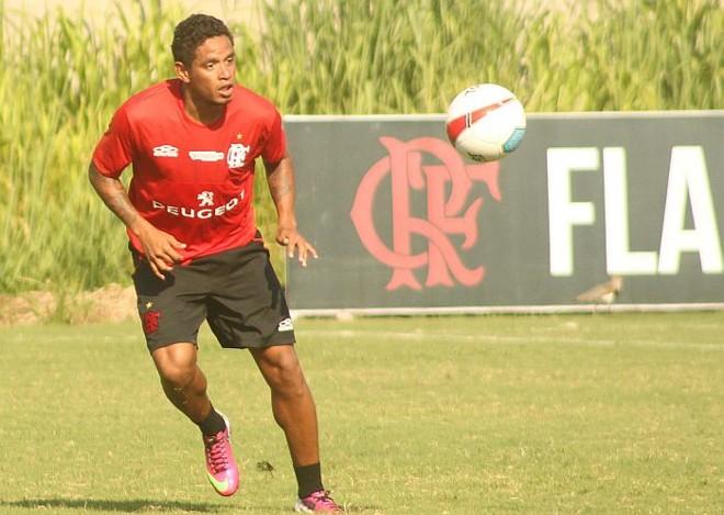 Carlos Eduardo estreia domingo pelo Flamengo | Maurício Val / VIPCOMM