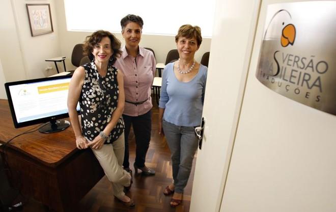 Peggy Distefano, Raquel Schaitza e Eliana Stabile, donas da Versão Brasileira Traduções, em Curitiba   Hugo Harada/ Gazeta do Povo