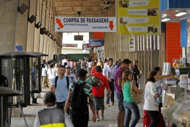 Alterações ocorrem por causa das obras no terminal | Antônio More/ Gazeta do Povo