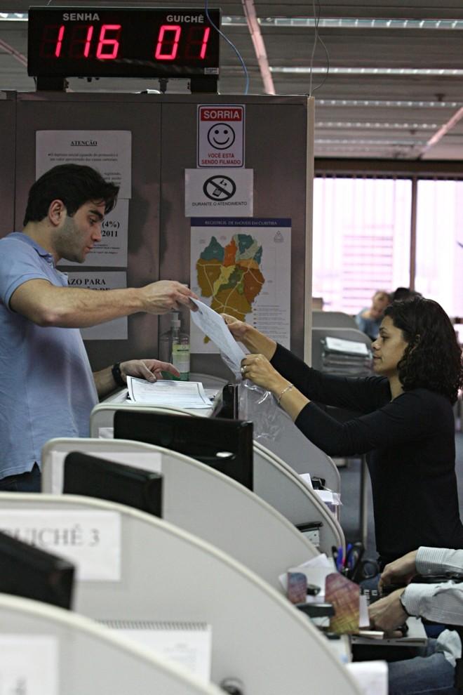 Cartório de registro de imóveis de Curitiba: reajuste das taxas volta a ser debatido em 2013 | Felipe Rosa/ Gazeta do Povo