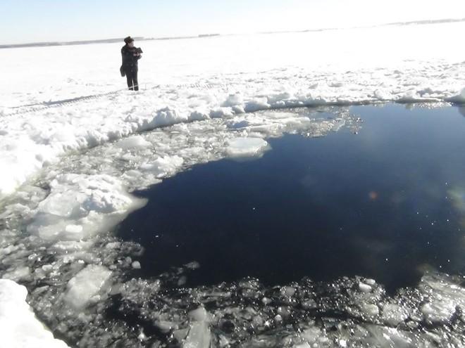 Meteorito caiu na região dos Montes Urais nesta sexta-feira | REUTERS/Chelyabinsk region Interior Ministry