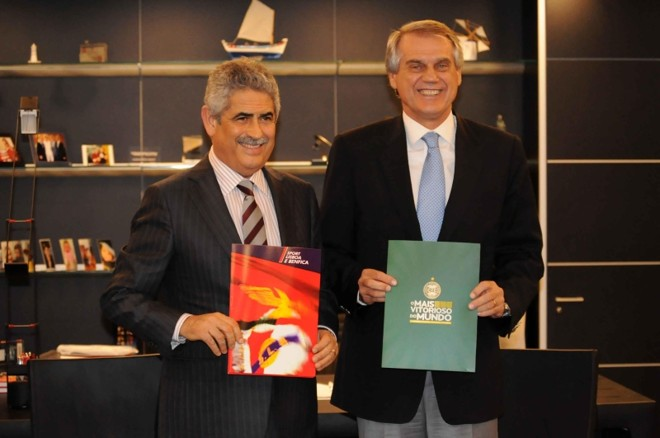 Presidentes Luís Felipe Vieira e Vilson Ribeiro de Andrade assinam parceria em Lisboa | Divulgação / Benfica
