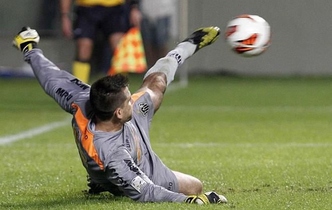 Victor garante a classificação do Galo ao defender pênalti do Tijuana aos 47 do segundo tempo | Washington Alves  / Reuters