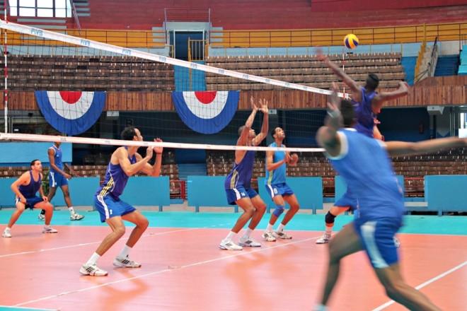 Seleção de voleibol masculino tem apenas dois jogadores da equipe do Mundial de 2010   Célio Martins/ Gazeta do Povo