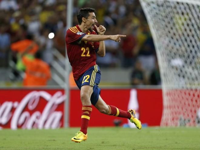 Jesús Navas comemora o gol de pênalti que colocou a Espanha na inédita decisão da Copa das Confederações, contra o Brasil | Ivan Alvarado /Reuters