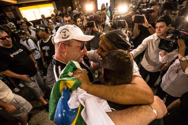 Sete corintianos que estavam presos na Bolívia voltaram ao Brasil | Eduardo Anizelli / Folhapress