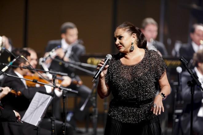 Técnica vocal apurada é característica principal do show de Fafá   André Rodrigues/Gazeta do Povo