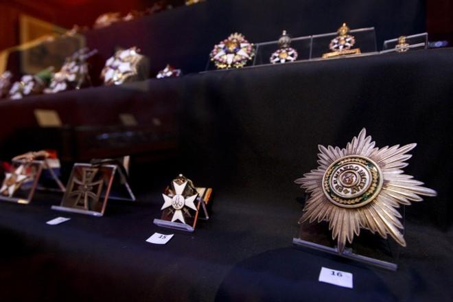 A exposição traz ainda medalhas e honrarias do Brasil e de outros países |