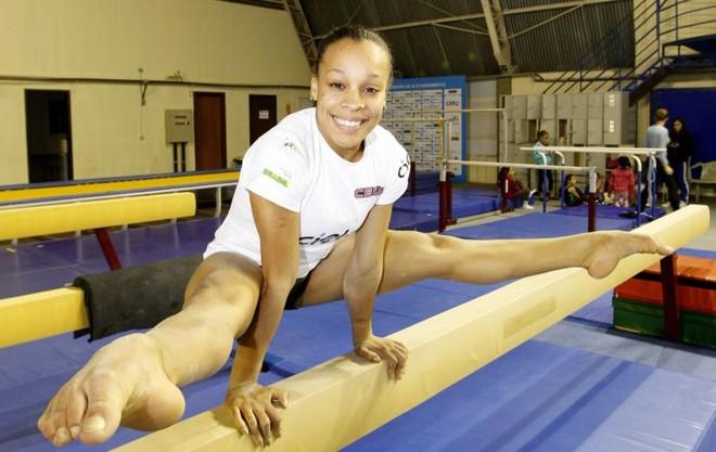 Nascida em Nova Iguaçu (RJ), Lorrane veio treinar em Curitiba há três meses, na sede da Cegin | Antonio More/ Gazeta do Povo