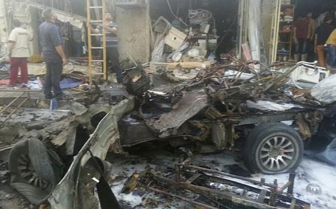 Local de ataque com carro-bomba em Bagdá nesta terça-feira (6) | REUTERS/Stringer