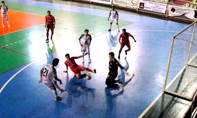 Pela fase grupos, tricolor perdeu duas partidas fora de casa e ganhou apenas quando jogou no Chico Neto   Divulgação / Oppnus Maringá