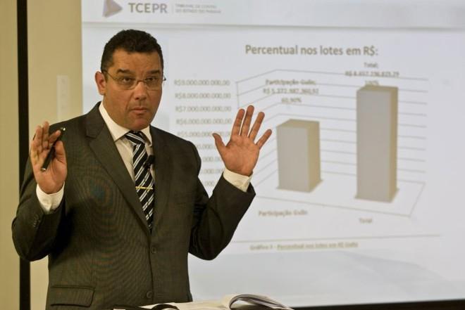 Cláudio Castro, do TCE, diz que a retirada e a correção de oito itens que compõem a planilha podem baratear a tarifa em R$ 0,45 | Marco André Lima/Tribuna do Paraná