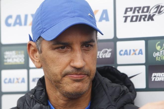 Péricles Chamusca terá pouco tempo para preparar o time   André Rodrigues/ Gazeta do Povo