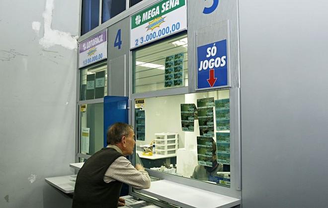 A aposta vencedora foi feita em uma lotérica no Centro de Ponta Grossa, mas o ganhador não apareceu para receber o prêmio   Josué Teixeira/Gazeta do Povo