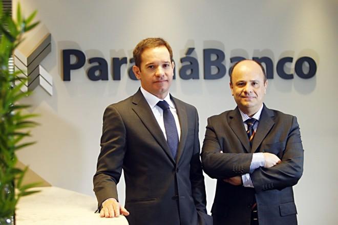 Presidente do Paraná Banco, Cristiano Malucelli, e Elyseu Mardegan Júnior, diretor de crédito imobiliário: novo produto vai oferecer empréstimo de até R$ 1,5 milhão | Albari Rosa/Gazeta do Povo