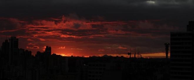 Com a mudança no relógio, a luz do Sol deve diminuir uso de iluminação artificial | Daniel Castellano/ Agência de Notícias Gazeta do Povo