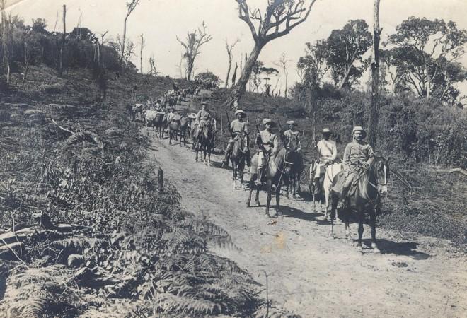 Comboio da coluna do Norte do poder militar em Canoinhas, em março de 1915   Créd. Acervo Museu Paranaense
