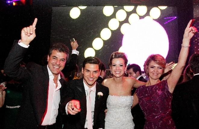 O governador Beto Richa e a primeira-dama Fernanda Richa na festa do casamento do primogênito Marcello Vieira Richa e Fernanda Santos, no Taboo Eventos | Rogério Machado
