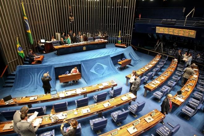 Plenário do Senado: com críticas às recentes mudanças de partido, parlamentares aprovaram proposta para inibir novas siglas | Pedro Ladeira/Folhapress