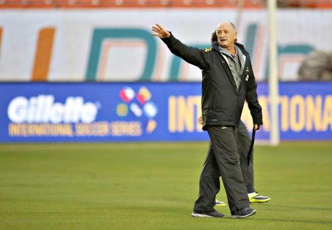 Felipão testará Robinho, Willian e Marquinhos contra o Chile | Mowapress