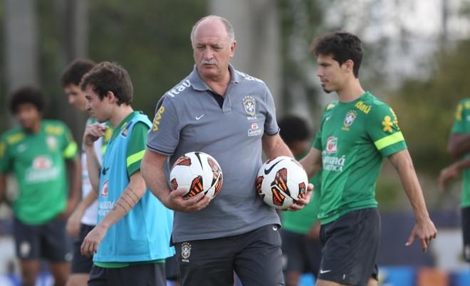 Scolari admite ter apenas três dúvidas para fechar o grupo | Mowa Press/Divulgação