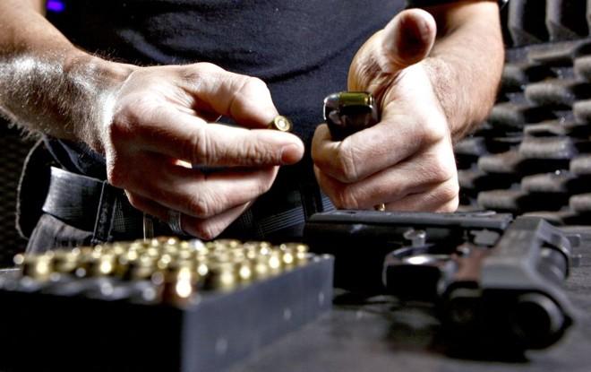 Nos últimos três anos, o Paraná investiu cerca de R$ 19 milhões na aquisição desses materiais – valor suficiente para 200 munições.40 por agente | Hugo Harada/Gazeta do Povo