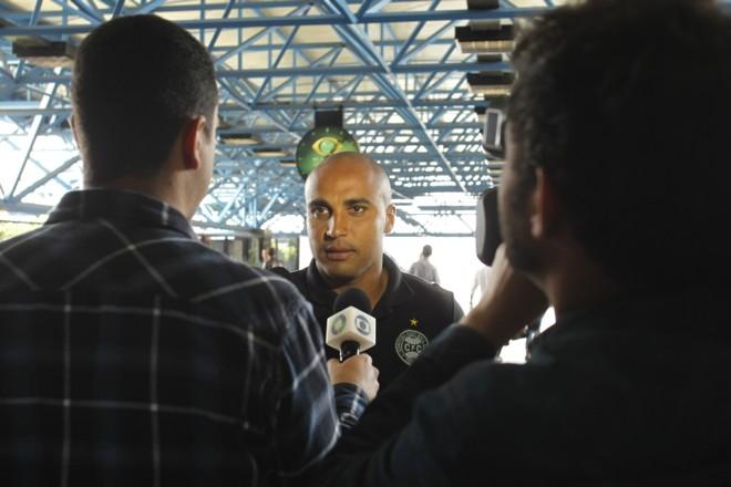 Por opção e respeito a Julio César, Deivid começa no banco hoje contra o Vasco   Marcelo Andrade/Gazeta do Povo