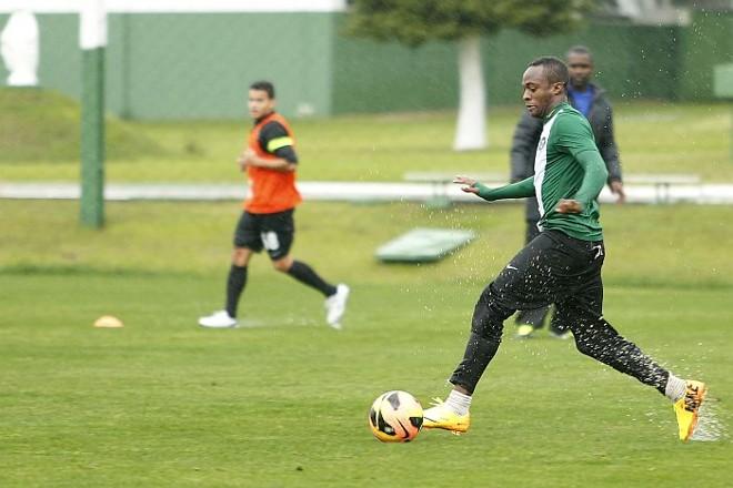 Angolano Geraldo pode retornar ao time do Coritiba | Marcelo Andrade / Gazeta do Povo