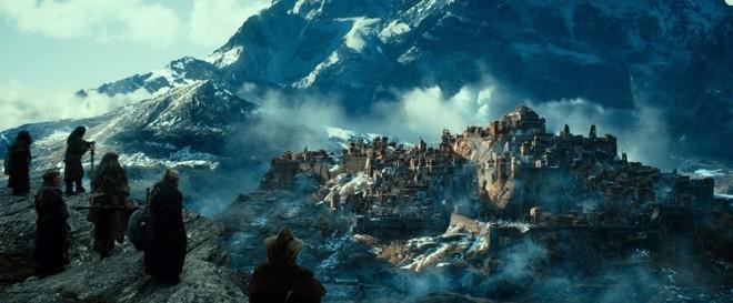 Fãs do universo de Tolkien têm à disposição, além do segundo filme da trilogia O Hobbit, em cartaz nos cinemas, uma série de novas edições | Divulgação