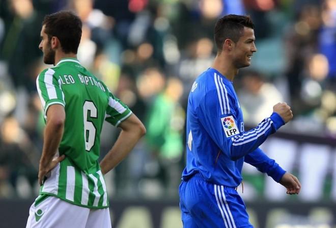 O português Cristiano Ronaldo, eleito melhor do mundo pela Fifa, abriu o placar na goleada | Marcelo del Pozo/Reuters
