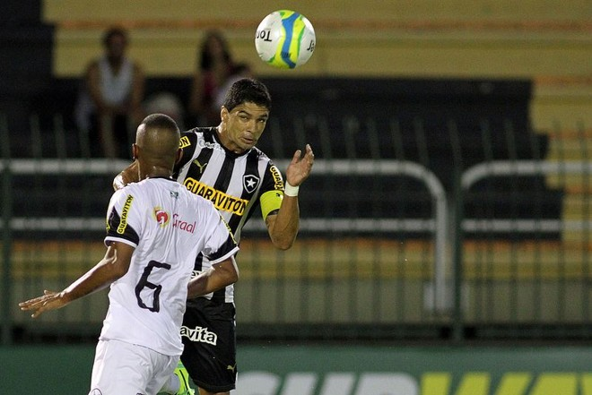 Renato marcou o gol do Botafogo que ficou no 1 a 1 com o Resende   Vitor Silva / SSPress