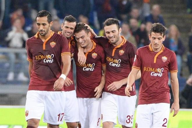 Jogadores da Roma comemoram triunfo diante do Livorno | EFE