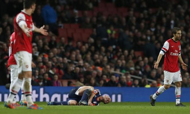 Santi Cazorla fez os dois gols da vitória do Arsenal sobre o Fullham | Suzanne Plunkett/Reuters