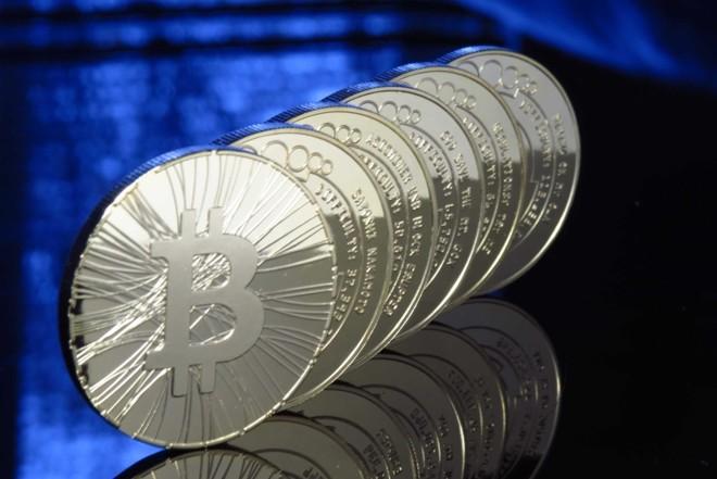 Bitcoin só existe no mundo virtual, mas tem gente disposta a pagar mais de US$ 1 mil por ela | Divulgação