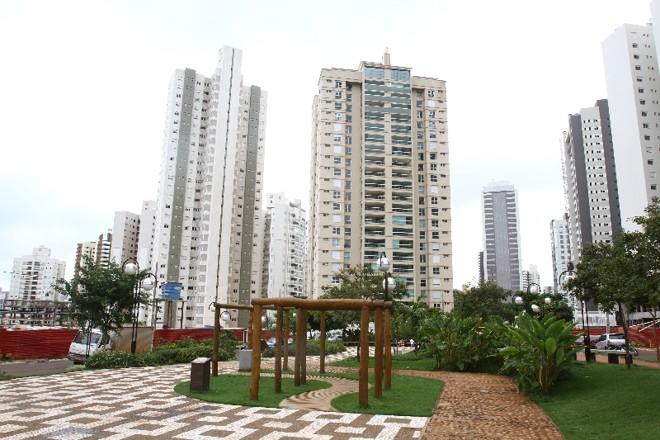 A única praça do bairro foi construída em terreno doado por uma construtora | Gilberto Abelha/ Jornal de Londrina