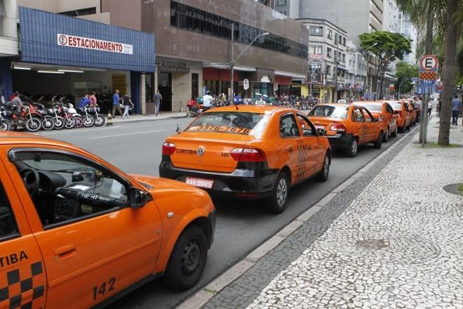 A frota de táxis de Curitiba está congelada desde 1975 | Antônio More/ Gazeta do Povo