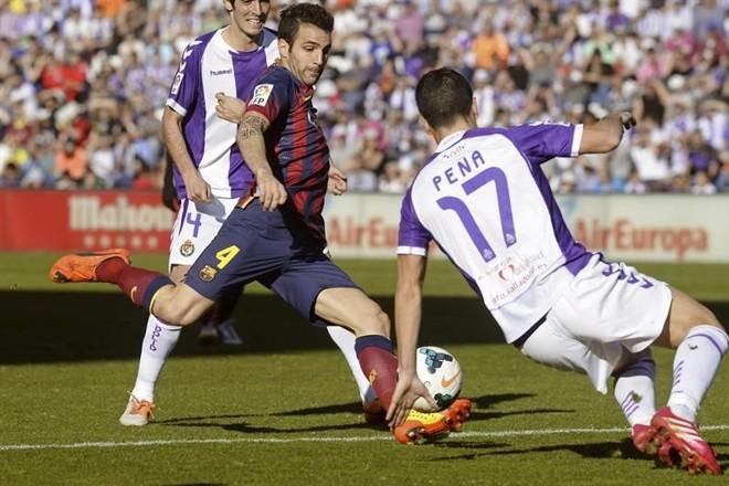 Fábregas perde lance para o Barcelona na derrota para o Valladolid   EFE