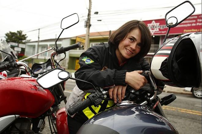 Franciele Sato, 25 anos, moto girl |