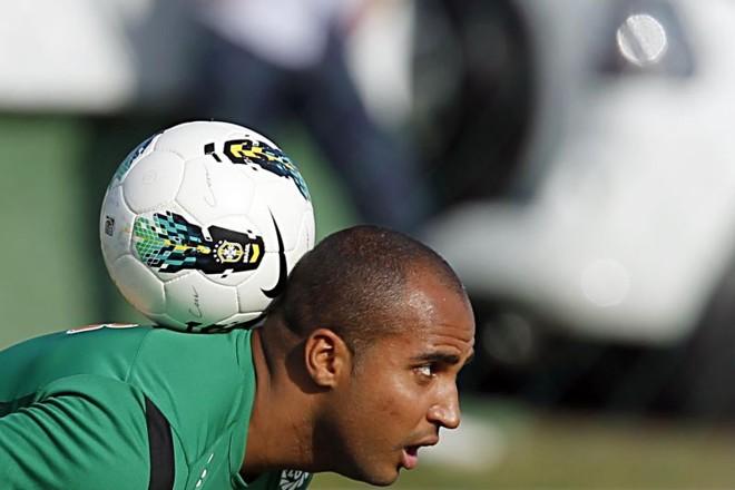 Deivid durante treino no Coritiba. Foram 19 meses de clube, 30 jogos, 13 gols e passivo milionário | Albari Rosa / Gazeta do Povo