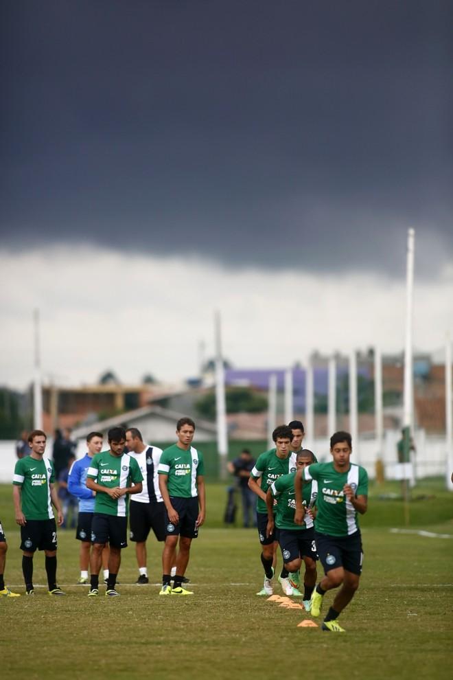 Tempo fechado no treino do Coritiba na véspera da viagem para Londrina | Marco André Lima/Gazeta do Povo
