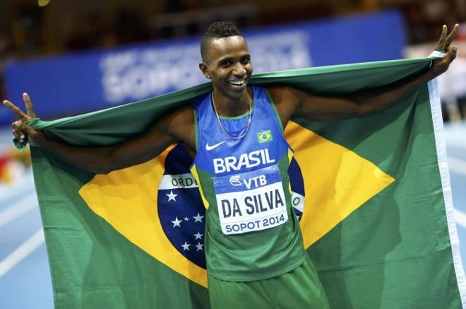 Mauro Vinicius da Silva, o Duda, comemora o segundo ouro em Mundiais indoor de atletismo | Kai Pfaffenbach / Reuters
